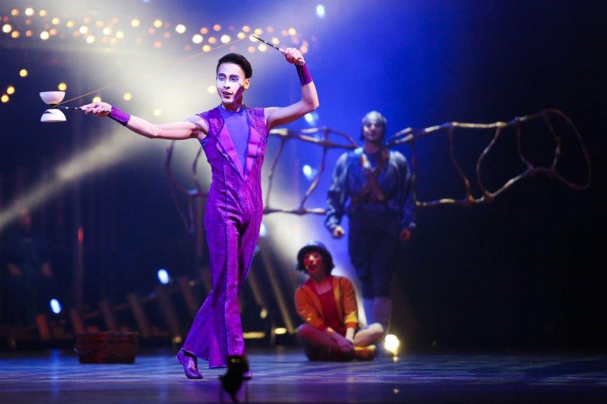 """""""Cirque du Soleil"""" pasirodymo """"Quidam"""" akimirka"""