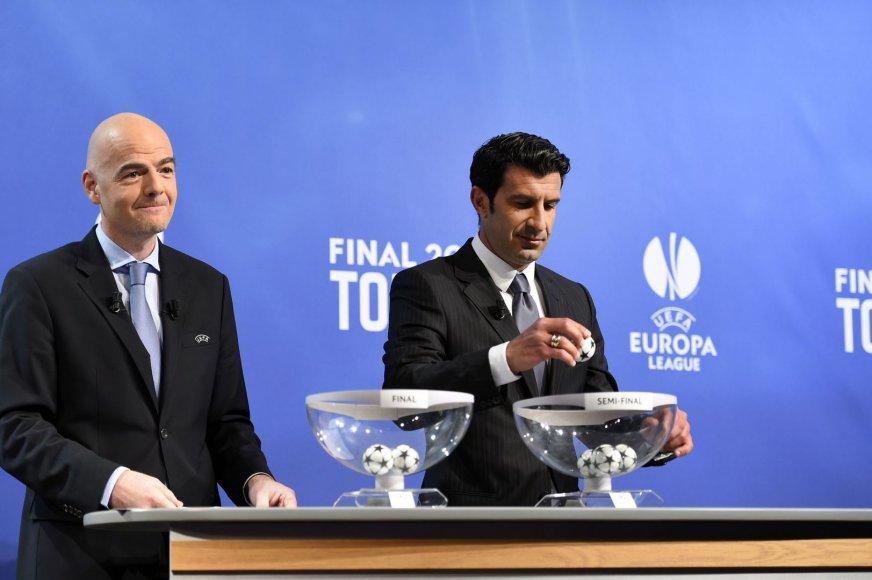 UEFA čempionų lygos burtus traukė portugalas Luisas Figo