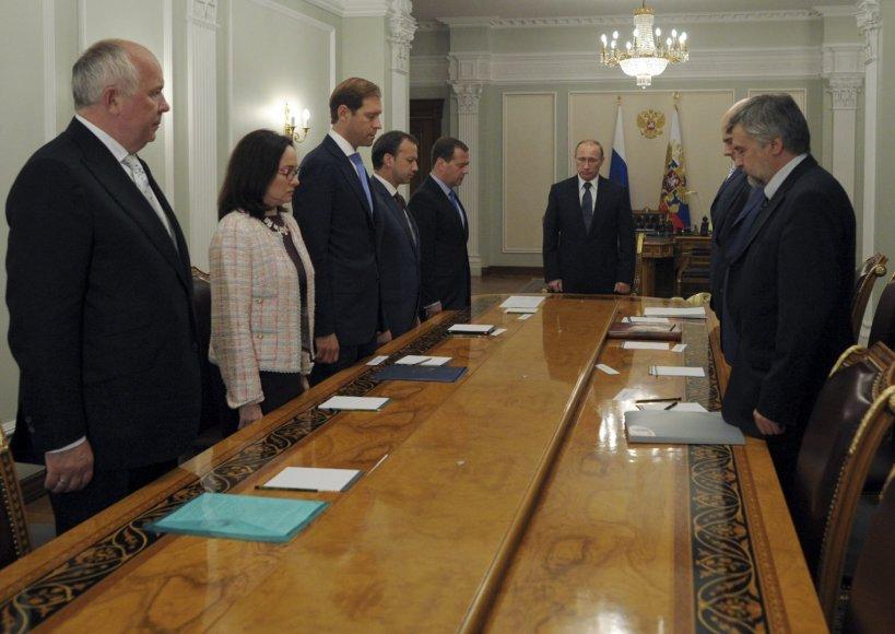 Vladimiras Putinas liepė Vyriausybei žuvusiuosius pagerbti tylos minute