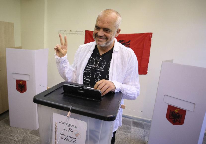 Albanijos socialistas premjeras Edi Rama