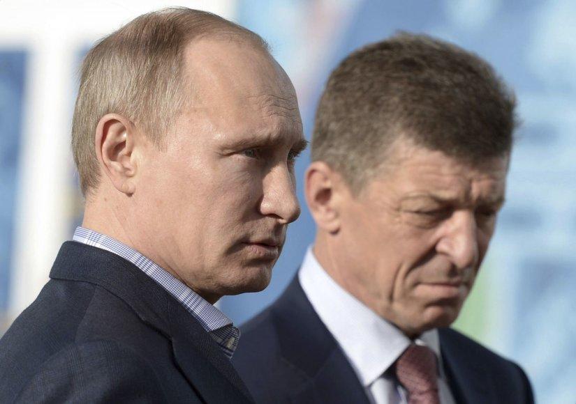 Rusijos prezidentas Vladimiras Putinas ir vicepremjeras Dmitrijus Kozakas