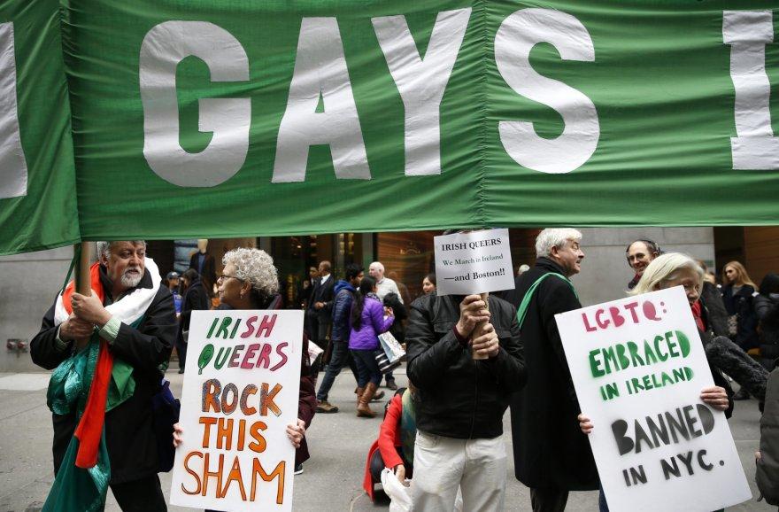 Niujorko Šv.Patriko dienos parade buvo leista žygiuoti grupei gėjų