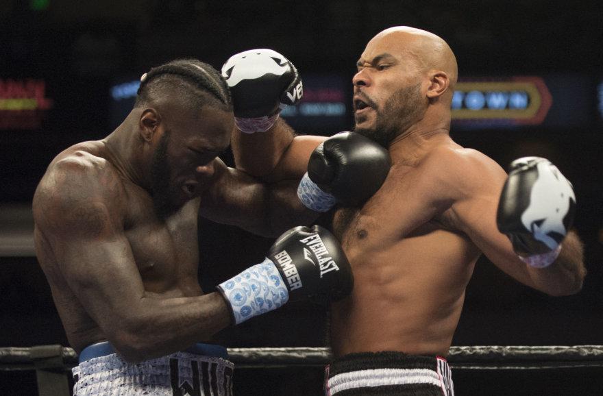 Deontay Wilderis kovoje dėl WBC diržo įveikė Geraldą Washingtoną