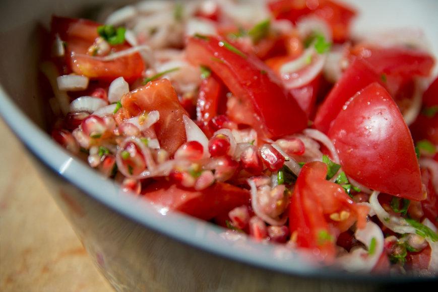 Uzbekiškos pomidorų salotos šakarob