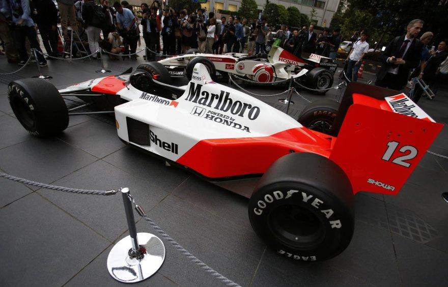 "1988 m. ""McLaren Honda MP4/4"" F-1 bolidas"