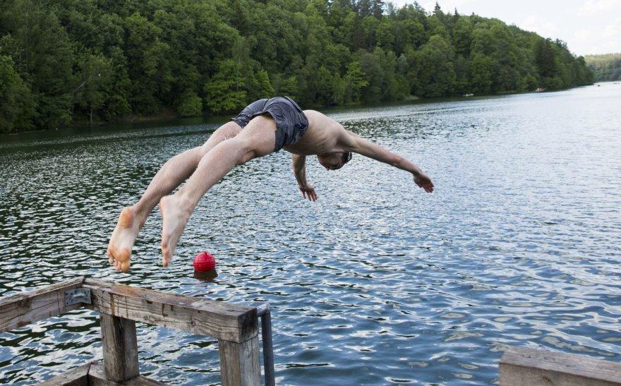Vilniečių savaitgalio linksmybės prie ežerų