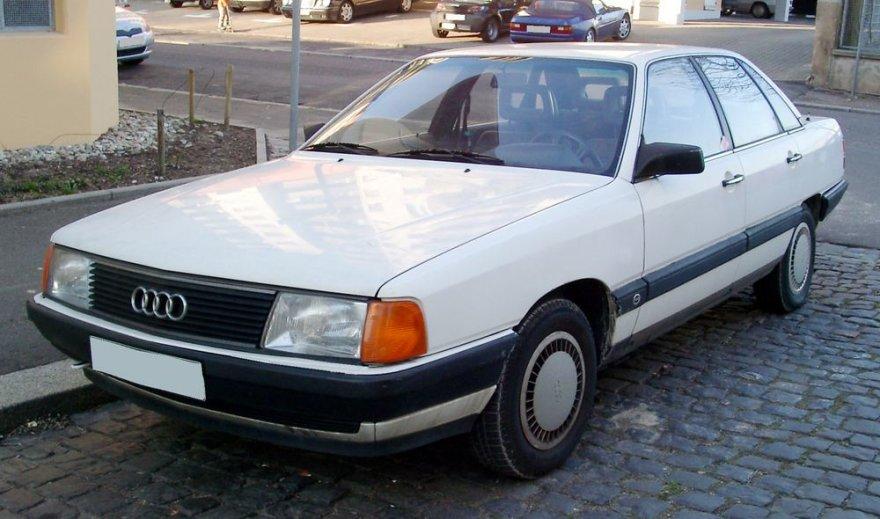"""Audi 100"""