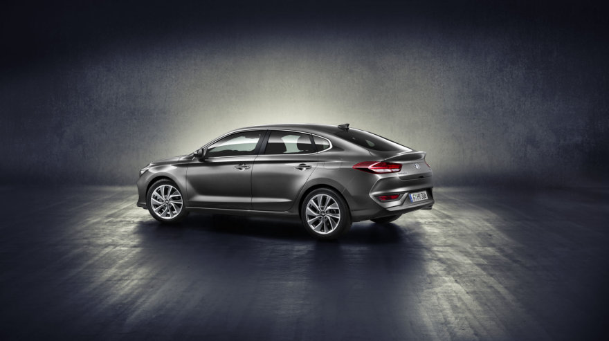 """Hyundai i30 Fastback"""