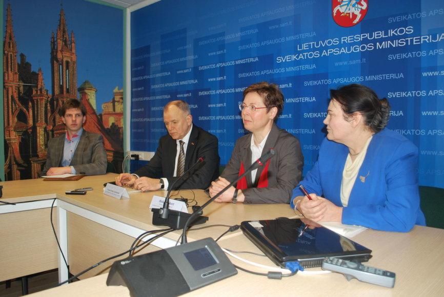 Sveikatos apsaugos ministro Vytenio Povilo Andriukaičio kvietimu Lietuvoje lankėsi Tiūringijos žemės socialinių reikalų, šeimos ir sveikatos apsaugos ministrė Heikė Taubert.