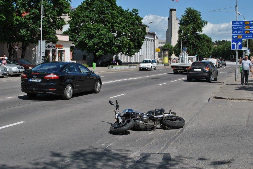 Alytuje avariją patyrė motociklo vairuotojas