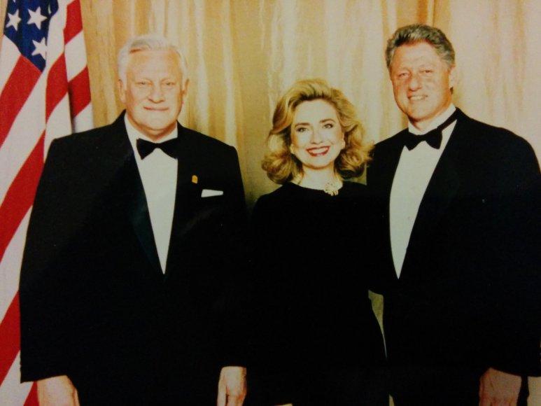 A.M.Brazauskas su Billu ir Hillary Clintonais