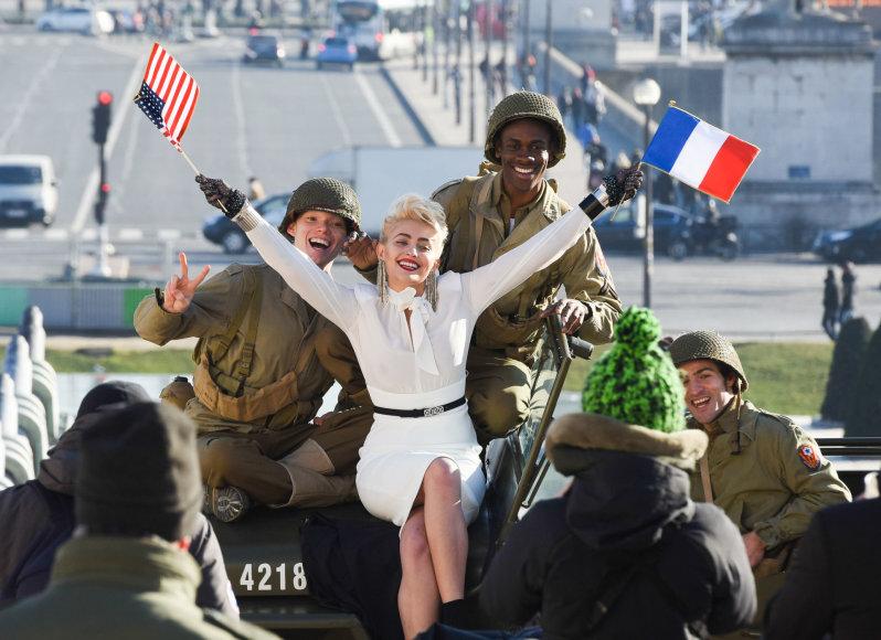 """Vida Press nuotr./Paris Jackson """"Chanel"""" fotosesijoje Paryžiuje"""