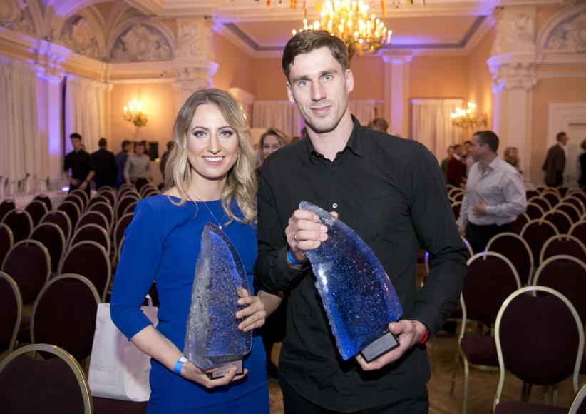 Valdo Kopūsto / 15min nuotr./Geriausi metų buriuotojai Viktorija Andrulytė ir Juozas Bernotas