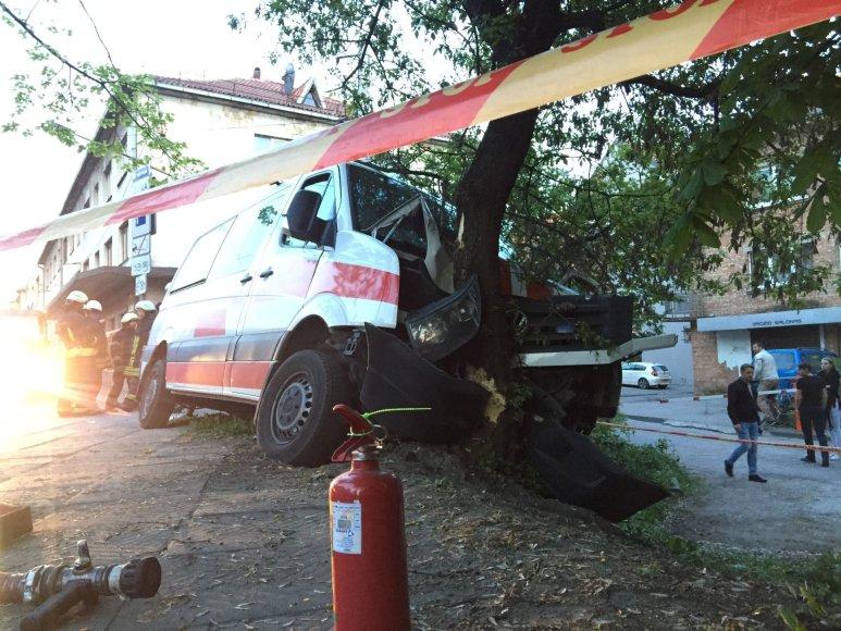 Kauno klinikinės ligoninės automobilio avarija