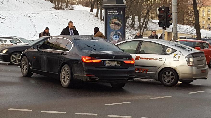 Seimo pirmininko kortežas patyrė avariją