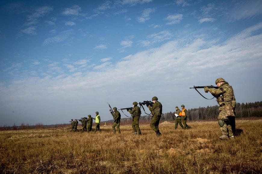 Lietuvos kariai pratybose