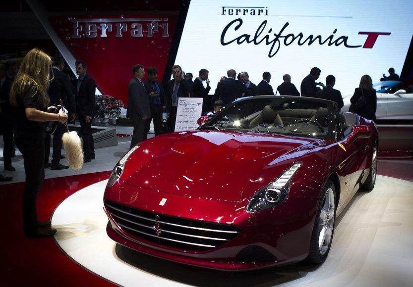 """Ferrari California T"" – galingesnė kalifornija"