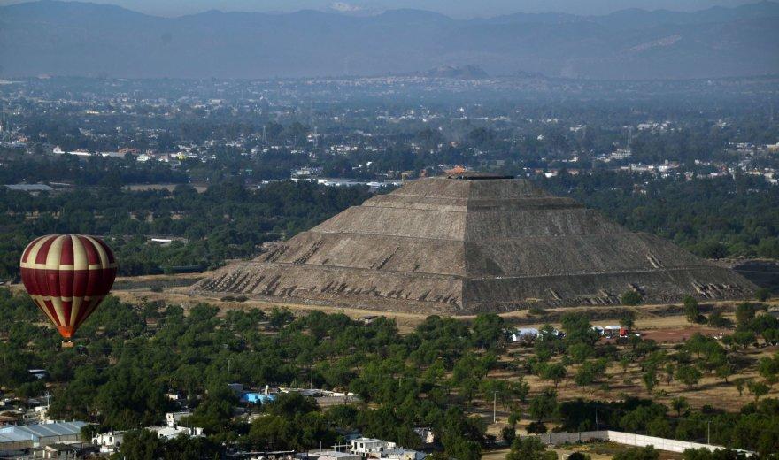 Teotihuakano piramidė