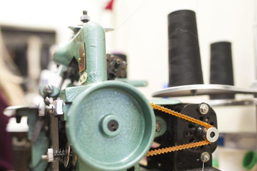 Tarp didžiausių mažos siuvyklos iššūkių – rasti tinkamą darbuotoją