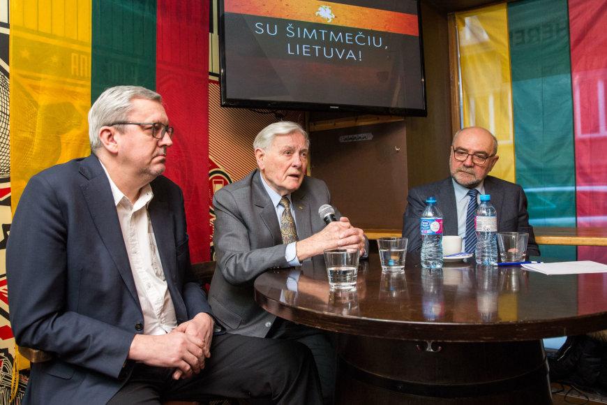 Audrius Siaurusevičius, Valdas Adamkus ir Aleksandras Abišala