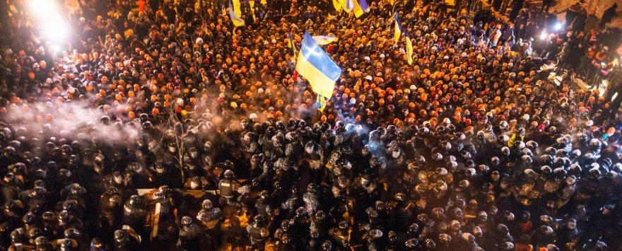 Policijos ir protestuotojų susirėmimas Kijeve