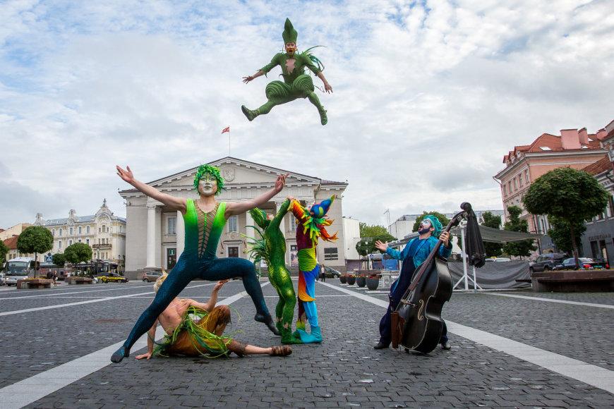"""""""Cirque du Soleil"""" pasirodymas Vilniaus centre"""