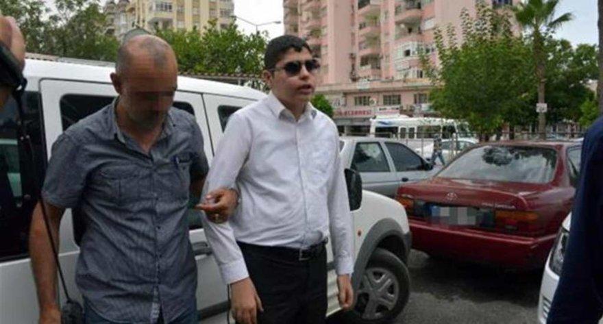 Turkijos žurnalistas Cüneytas Aratas nubaustas kalėti