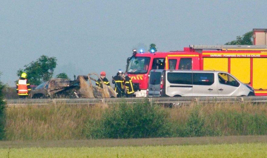 Prancūzijoje prie Kalė uosto migrantams užtvėrus kelią žuvo vairuotojas