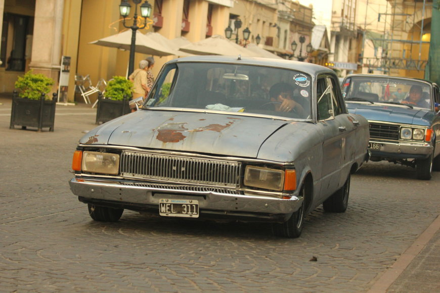 Automobiliai Argentinos gatvėse