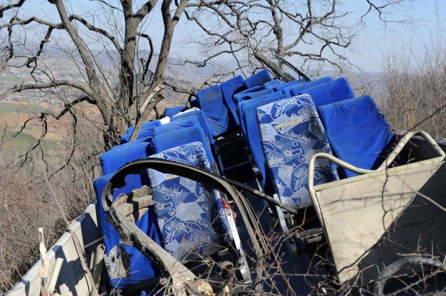 Kinijoje nuo skardžio nulėkus autobusui žuvo 20 žmonių