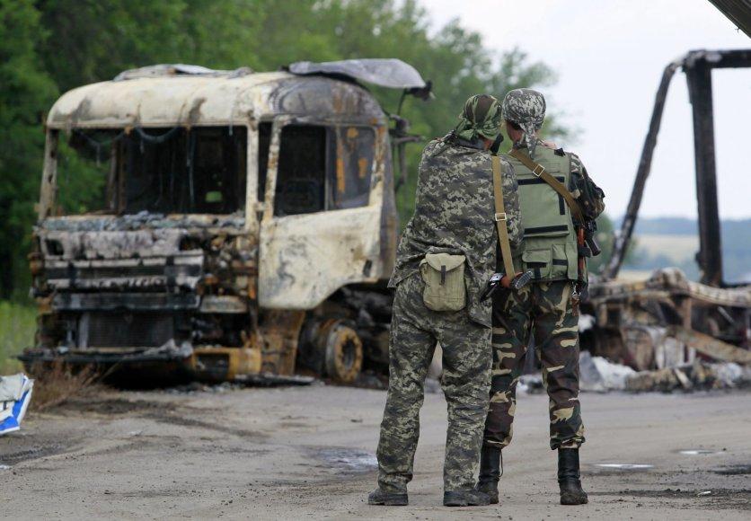 Luhanske rusų teroristai sudegino vilkiką