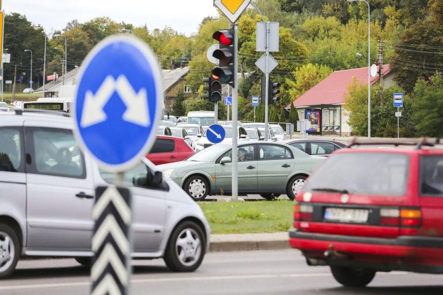 Eismas Geležinio Vilko-Ukmergės gatvių sankryžoje