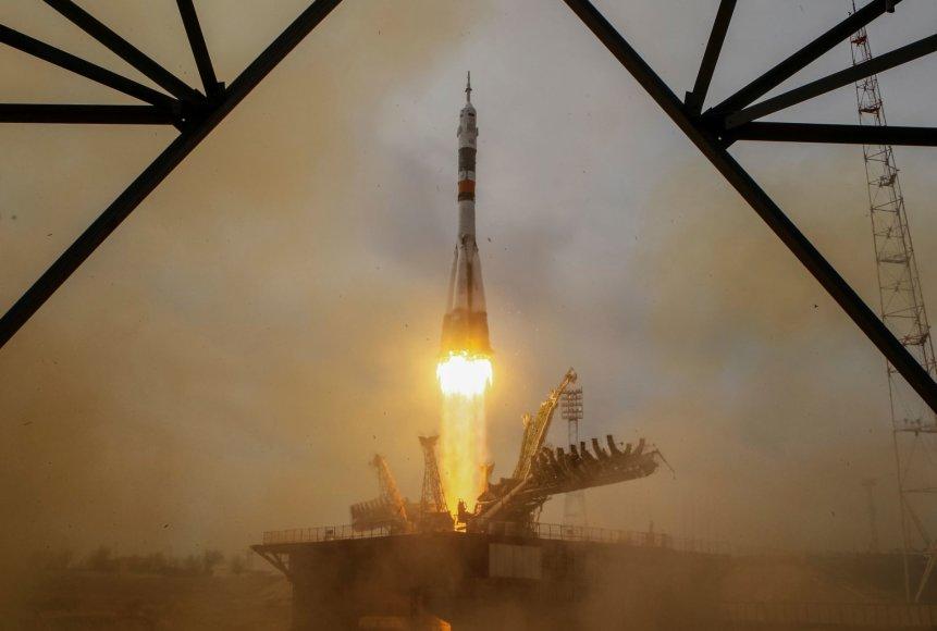 Erdvėlaivio Soyuz MS-04 pakilimas Kazachstane