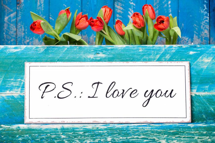P.S. Aš tave myliu