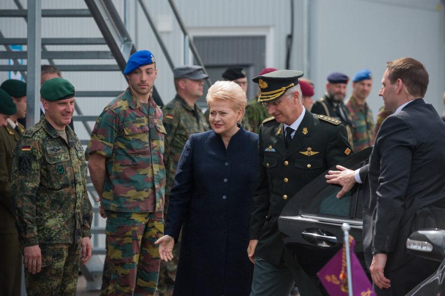 Alfredo Pliadžio nuotr./Prezidentė Dalia Grybauskaitė su Belgų karaliumi Philippe'u Rukloje