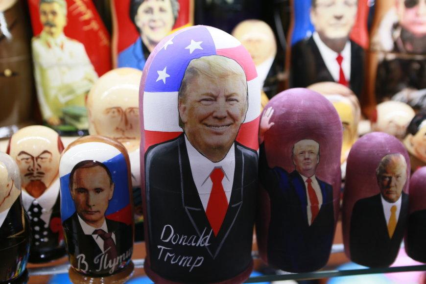 Donaldo Trumpo matrioška suvenyrų parduotuvėje.