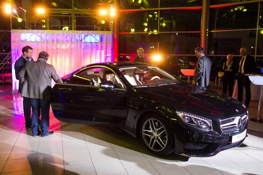 """""""Mercedes-Benz"""" S klasės kupė ir CLS pristatymas"""