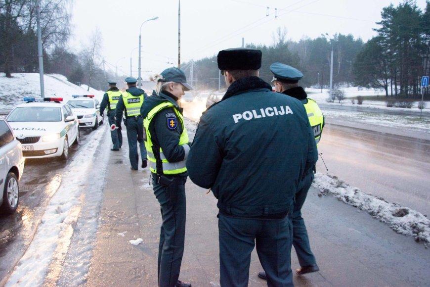 """Tarptautinės Antikorupcijos dienos išvakarėse Vilniuje surengta akcija """"Kyšis išpurvina"""""""