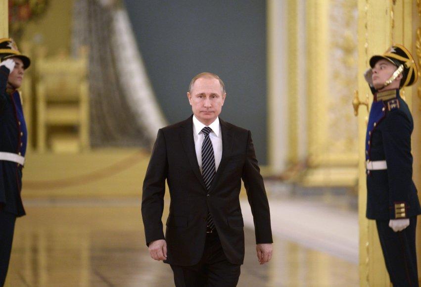 Vladimiras Putinas pasveikino iš Sirijos grįžusius karius