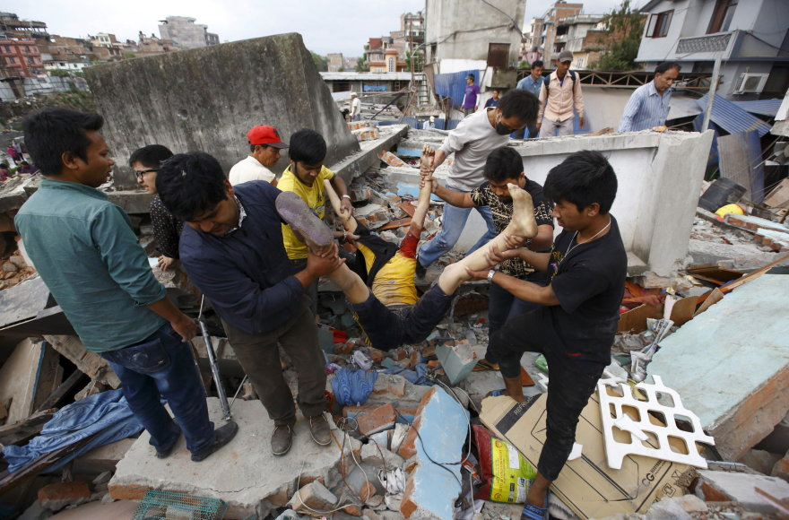 Kathmandu po stipraus žemės drebėjimo