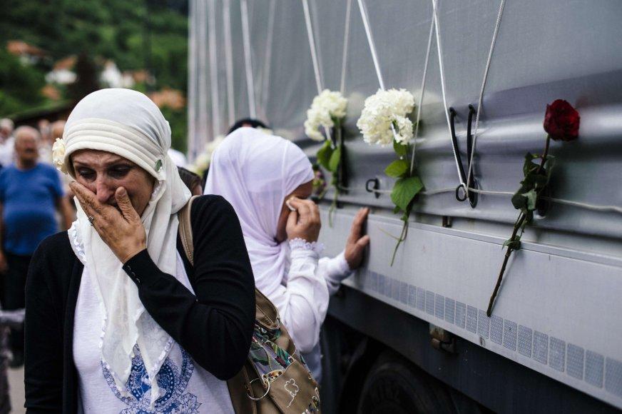 Bosniai pagerbė Srebrenicos žudynių aukas