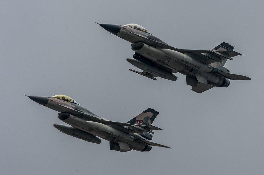 F-16 naikintuvai