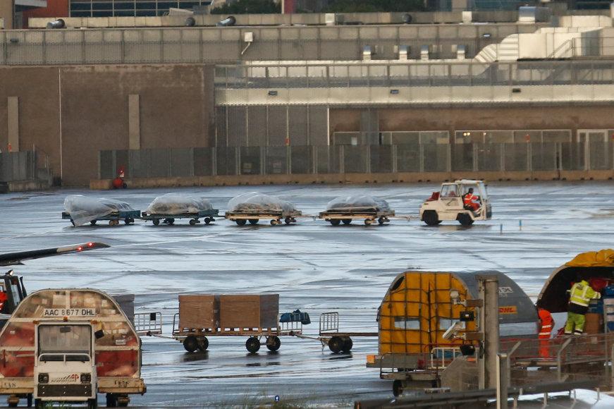"""""""Germanwings"""" katastrofos aukų palaikai parskraidinti į Diuseldorfą."""