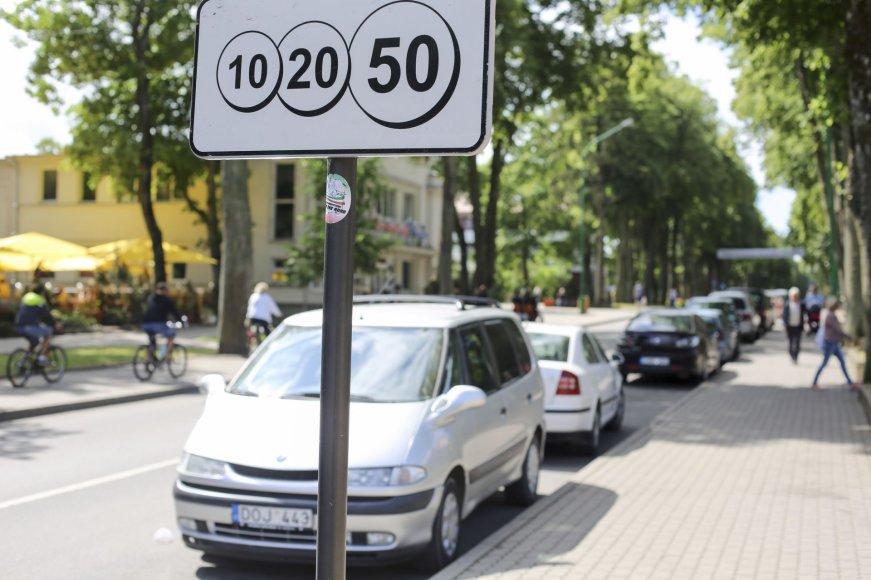 Kiek kainuoja palikti automobilį Palangos gatvėse