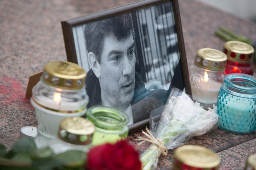 Vilniaus Katedros aikštėje pagerbtas nužudyto Boriso Nemcovo atminimas