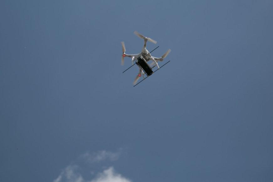 """""""Topo centras"""" pirmieji Lietuvoje pradėjo pristatinėti prekes dronu"""