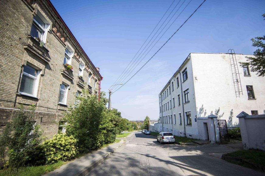 Šalia Vilniaus pusiaukelės namų įsikūrę vilniečiai tokios kaimynystės nenori