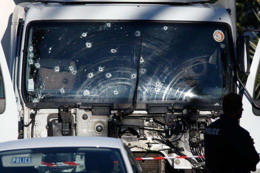 """""""Reuters""""/""""Scanpix"""" nuotr./Rytas po išpuolio Nicoje"""
