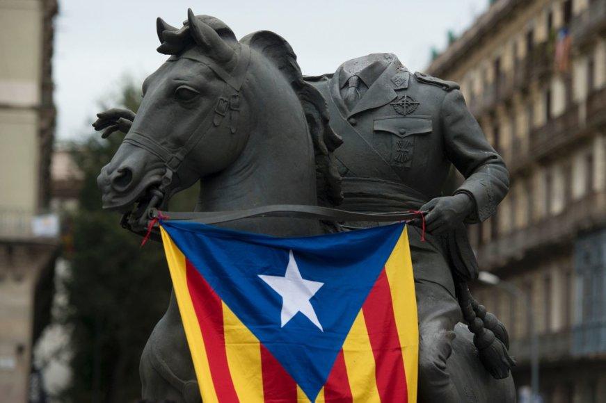 Begalvė F.Franco skulptūra