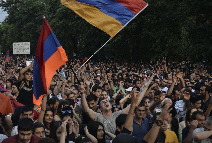Armėnijoje – protestai prieš dideses elektros kainas.
